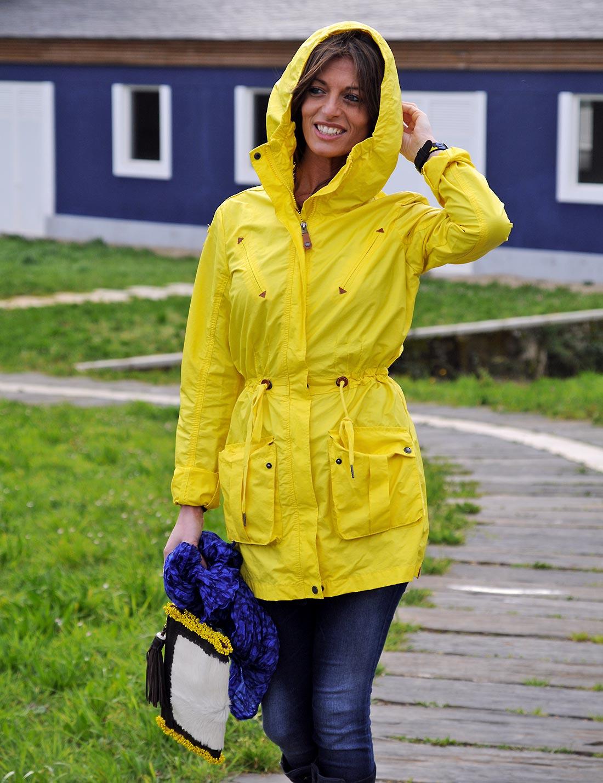 Amarillo bajo la lluvia Simply Mathilda