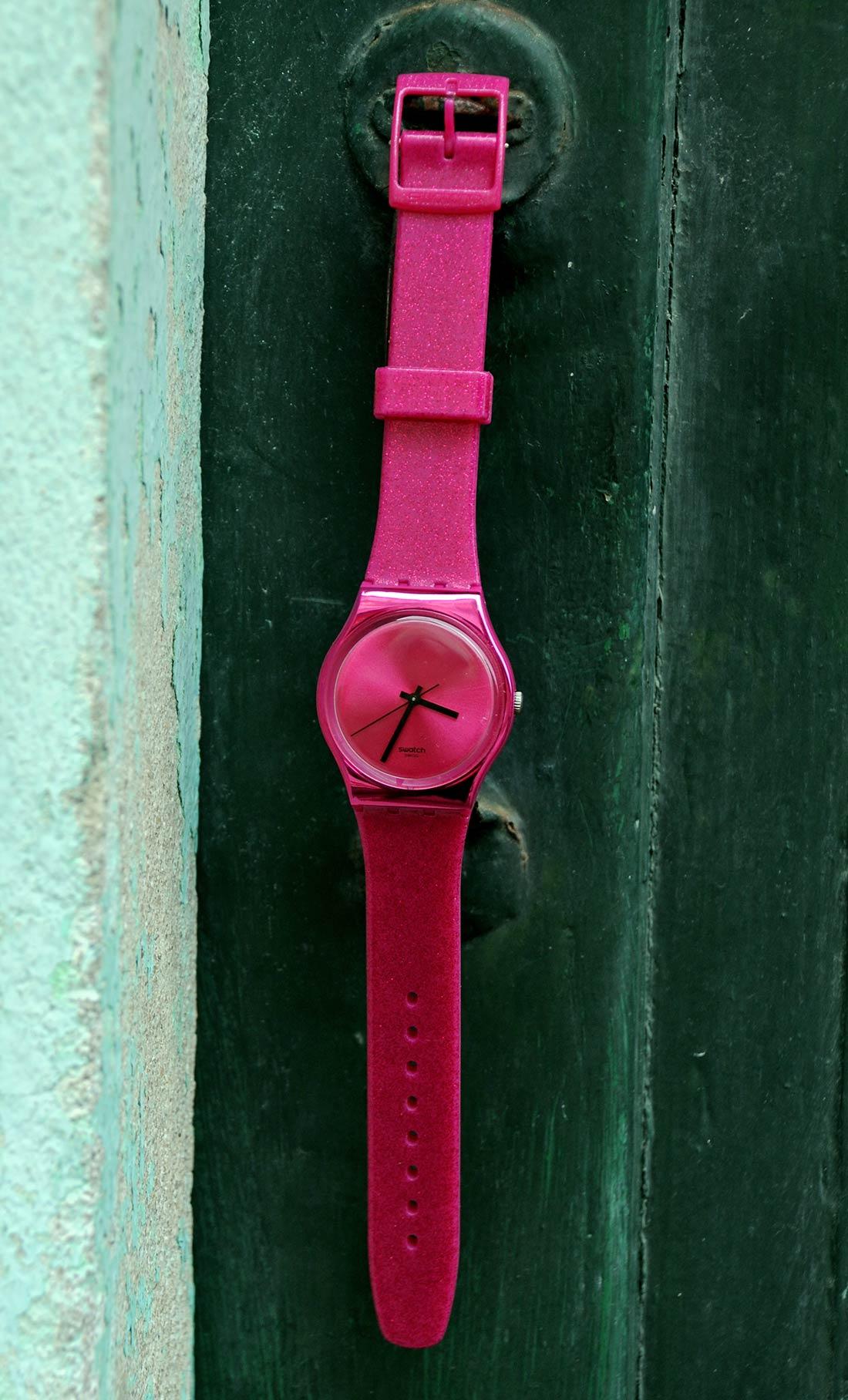 simply-mathilda-callejeando-por-ribadeo-complementos-reloj-swatch